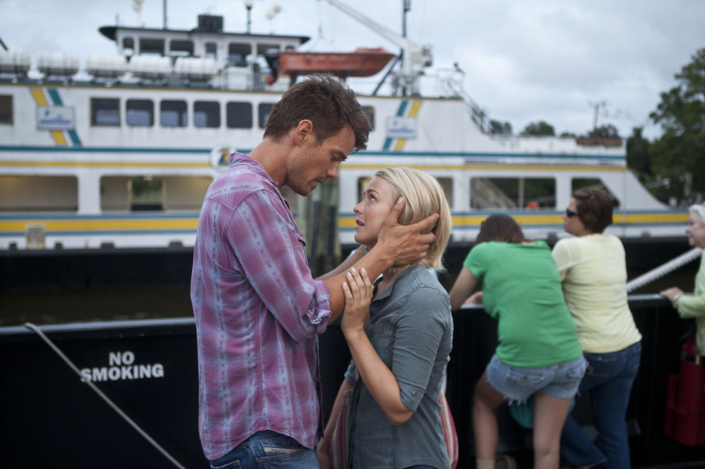 "Clueless Movie Reviews: ""Safe Haven"""