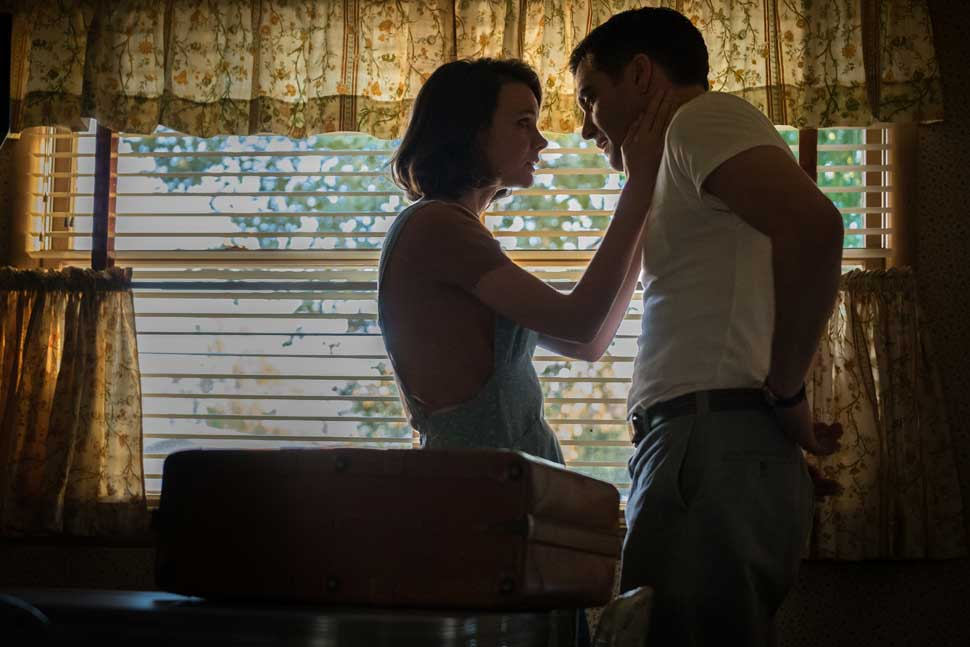 Carey Mulligan as Jeanette Brinson, and Jake Gyllenhaal as Jerry Brinson in Paul Dano's WILDLIFE.